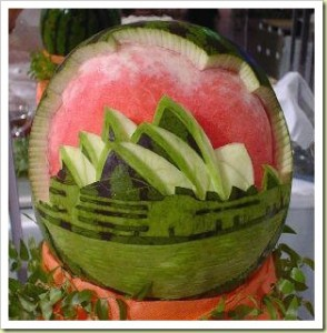 11-fruit-and-vegetable-art-watermelon-carving3-thumb1