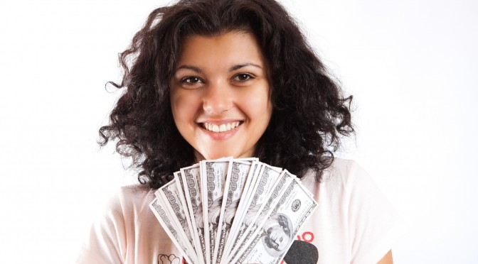 Kaip užsidirbti pinigų internete: greitai ir neišeinant iš namų?