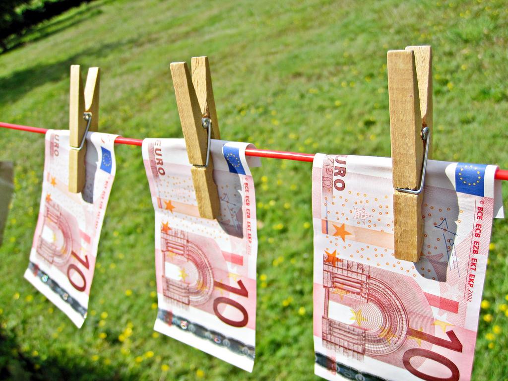 Kaip užsidirbti pinigų internete greitai ir neišeinant iš namų?_2