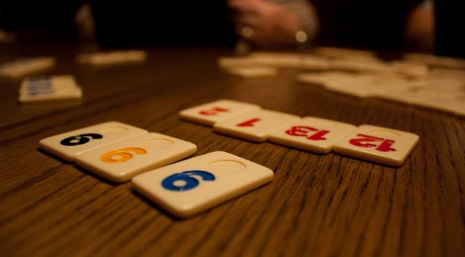 Stalo žaidimų istorija ir įvairovė
